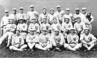 Team photo of the 1919 Chicago White Sox.