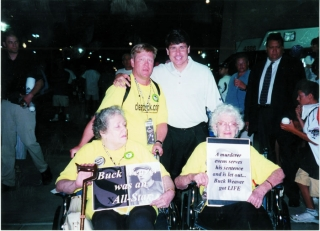 Governor Blagojevich poses with Dr. David Fletcher, Marjorie Follett and Patricia Anderson.